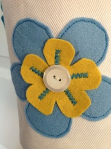 Felt flower with button