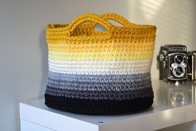 Ombre basket by Crochet In Colour
