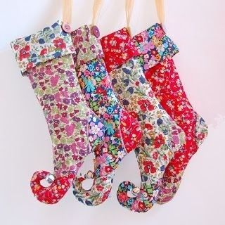 blondedesign.blogspot elf christmas stocking tutorial pattern