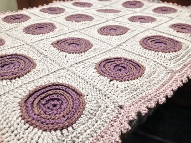 Swirls Crochet Cushion edging