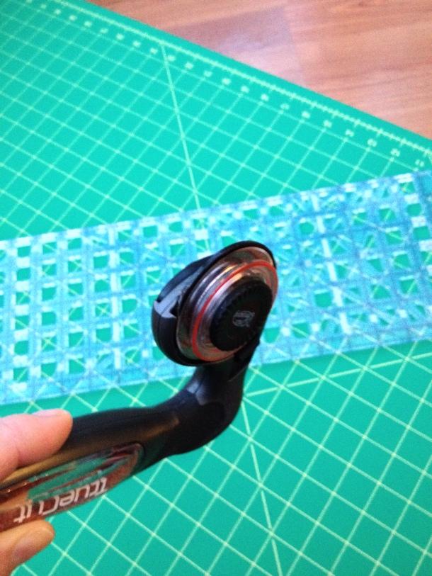TrueCut My Comfort Cutter ergonomic rotary cutter