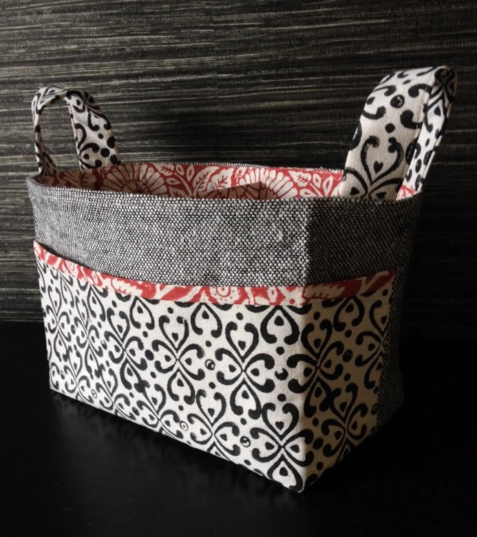 Divided fabric bucket for the offset warehouse competition