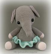 Mia_Elephant