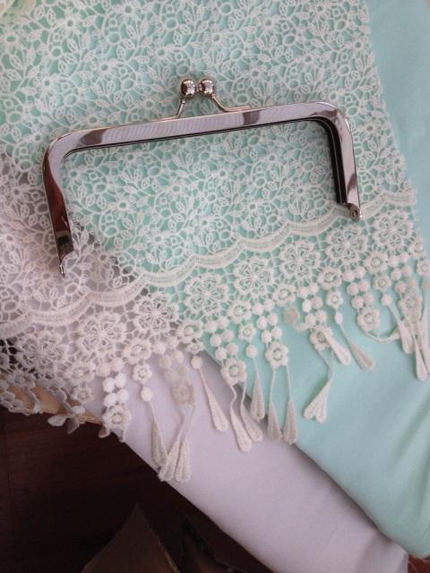 White Tree Fabric bridesmaid purse make