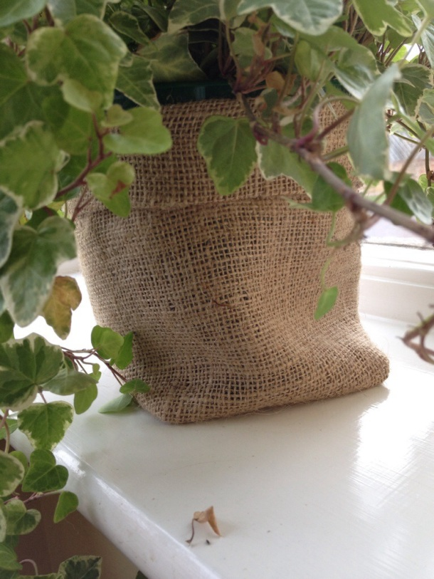 Hessian covers for plant pots