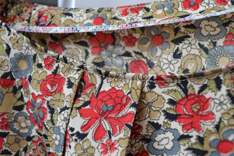 Neckline top stitching
