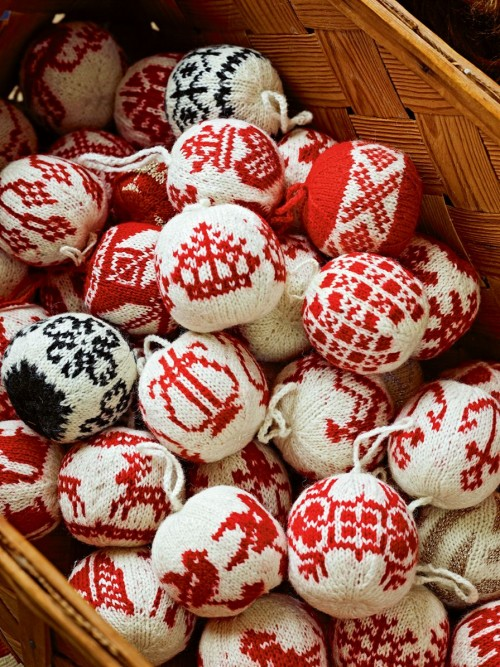 Knitted baubles