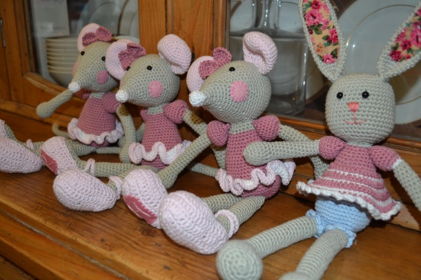 Ballerina mice and a bunny