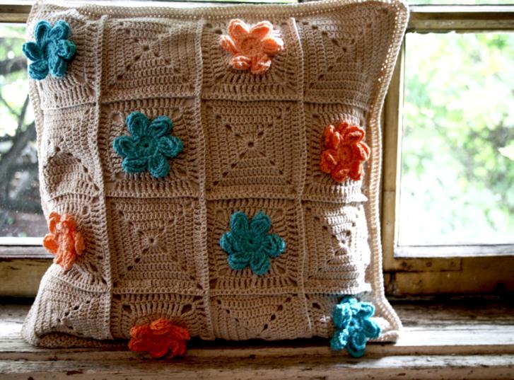Crochet Flower Pillow Love Lucie