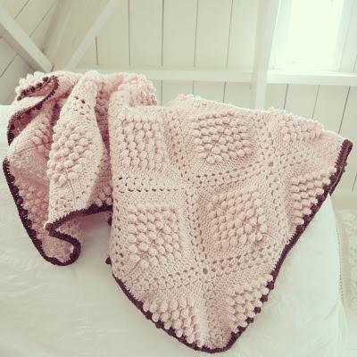byHaafner popcorn blanket